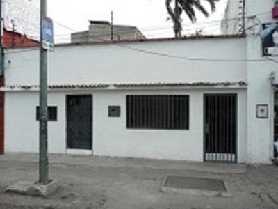 Casa ubicada en zona netamente comercial Carrera 19 entre 13 y 14, Barquisimeto