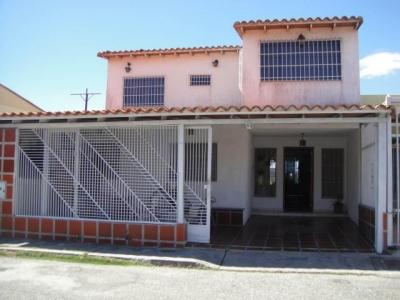 Cómoda y amplia casa, en el Este de Barquisimeto