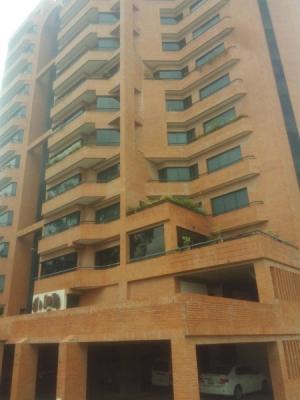 Vendo amplio y lujoso Apartamente al Este de la Ciudad de Barquisimeto