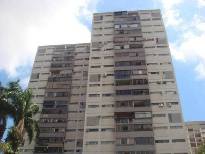APARTAMENTO EN VENTA Barquisimeto Zona Este 18-9266