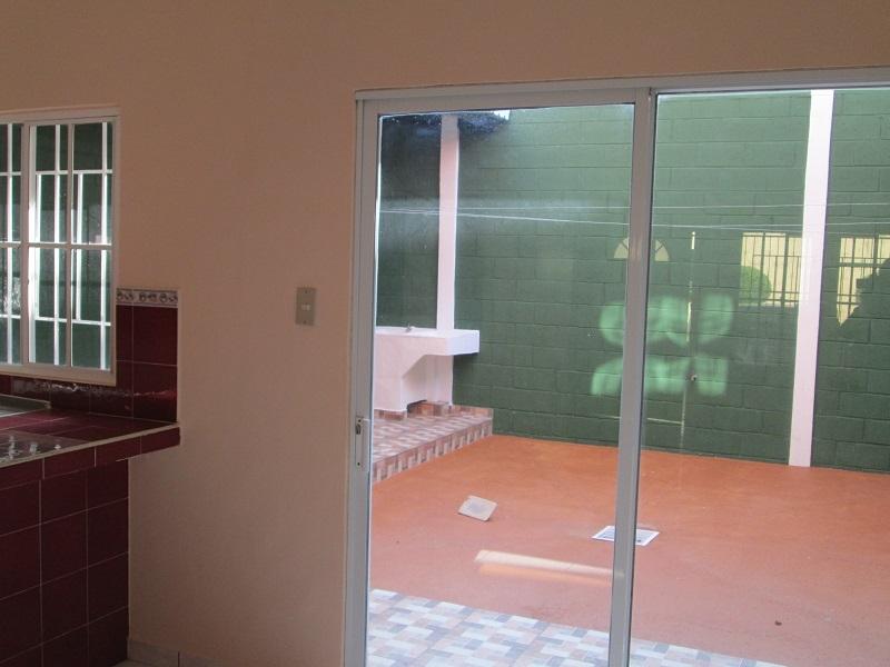Vendo casa en Resid. Sevilla I, Ciudad Real en privado, Santa Ana