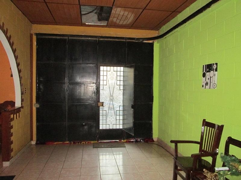 VENDO PRECIOSA RESIDENCIA EN SANTA ANA, Zona Altos del Palmar