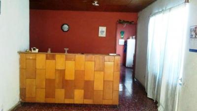 Vendo casa en Urb. Buenos Aires, a 300 mts. de Est. Oscar Quiteño