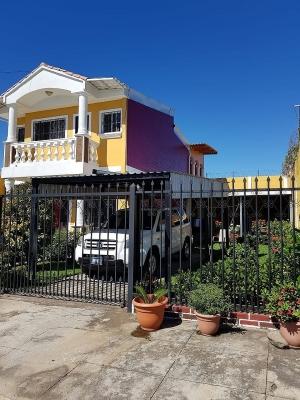 Hermosa casa en venta ubicada en Residencial Villas de Barcelona, Ciudad Real