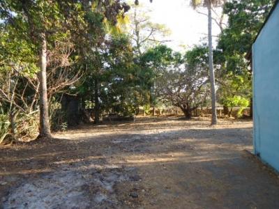 Se vende Casa y terreno grande a cinco minutos de Metro Centro San Miguel