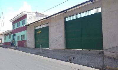 Se venden dos propiedades atrás de Cateral en San Miguel