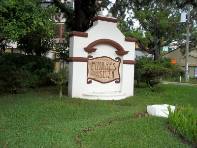Casa de 4 habitaciones en venta en Residencial Pinares de Suiza en Santa Tecla
