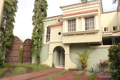Casa GRANDE en venta en Finca de Asturias
