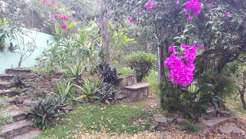 Casa en Alquiler - Amplia y Nitida -Zona Santa Tecla