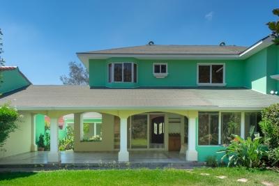 Amplia casa en residencial exclusiva
