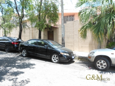 VENDO APARTAMENTO/LOCAL EN COLONIA ESCALON (Parte media)