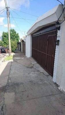 CASA DE UNA PLANTA EN RESIDENCIAL ESCALON NORTE