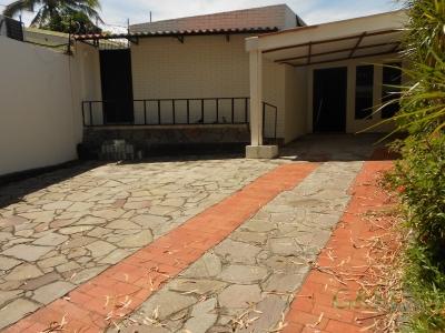 ALQUILO CASA DE 1 PLANTA EN COLONIA AVILA