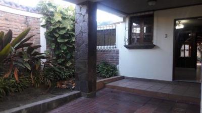Casa amplia en Colonia Satélite, zona privada