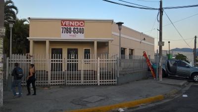 Edificio en venta, sobre Blvd. Los Héroes.
