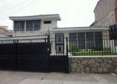 Casa para oficina o clínica en Colonia Ávila