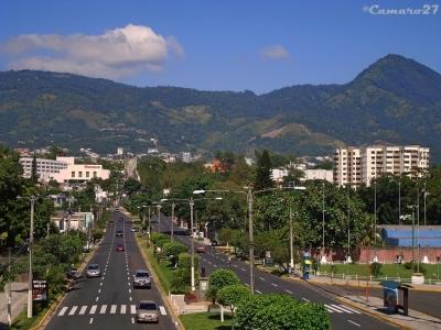 ¿Andas en busca de un terreno en San Benito para desarrollo comercial?