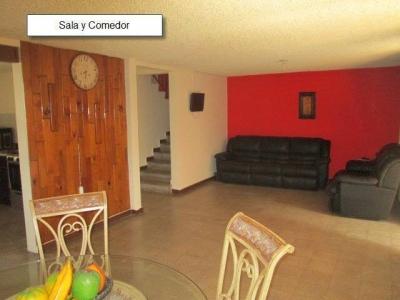 ¿Andas en busca una casa en alquiler para oficinas en privado en La Miralvalle?