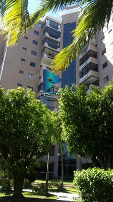 Exclusivo apartamento con la mejor vista de la ciudad en Torre Maquilishuat, Llámanos ya!