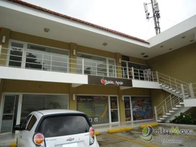 Alquilo local de 150 metros cuadrados ubicado en plaza comercial en Colonia Escalón, cuenta con una ubicación estratégica por estar en una vía principal donde transitan m