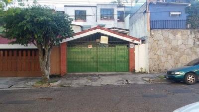 CityMax Renta Amplia Casa en Colonia Escalon