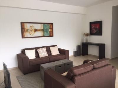 ALQUILO APARTAMENTO TORRE 21 SAN BENITO, FULL-AMUEBLADO, 3 habitaciones, 3 baños, terraza, sala, comedor, área de servicio, área de lavandería y entrada de servicio, dos