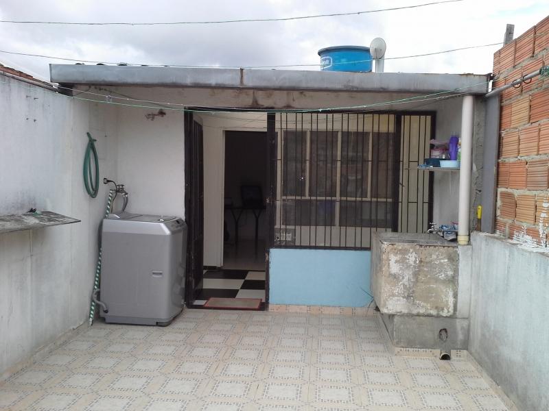 casa de tres plantas,libre de hipotecas documentos al día