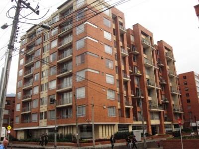 Arriendo apartamento en Chicó Norte con ascensor privado