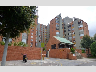 Apartamento con buena distribución de 102 m2.
