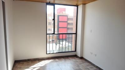 Apartamento con 3 habitaciones, 2 baños, de 72 m2, ultimo piso, en Victoria Norte -Mazuren