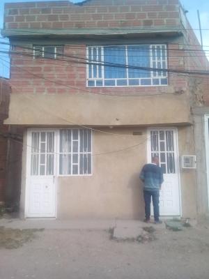 Bosa San José, casa de 4x9, dos plantas