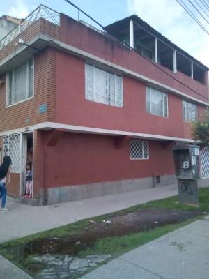 Kennedy Carmelo, casa residencial de 3x12, tres plantas
