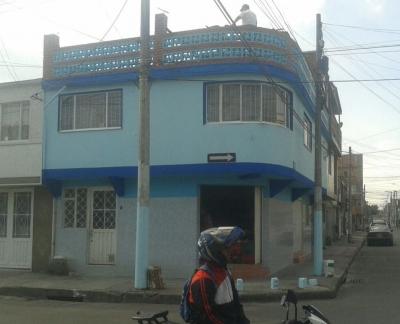 Gangazo Casa con Locales Comerciales