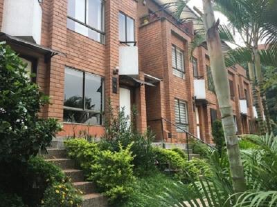 Vendo casa 3 Niveles sector de el Poblado Medellin