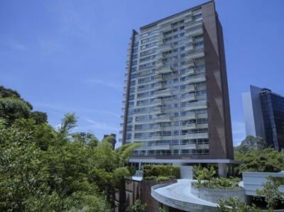 Venta de exclusiva Suite de 95 m2 en Loma El Tesoro para vivieda o para inversión.