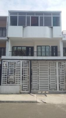 Ganga-Vendo amplia casa de 546 mts construidos. De 3 pisos y medio cada uno independientes