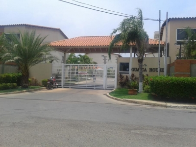 VENTA TOWNHOUSE, GUAICA HOUSE, LECHERÍA