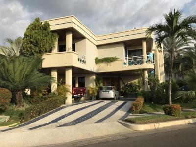 Lujosa Villa en Alquiler