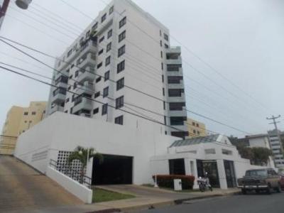 Vendo Cómodo Apartamento Amoblado Res. Ana Verónica. Lecheria. 3 Habitaciones. 100m2.