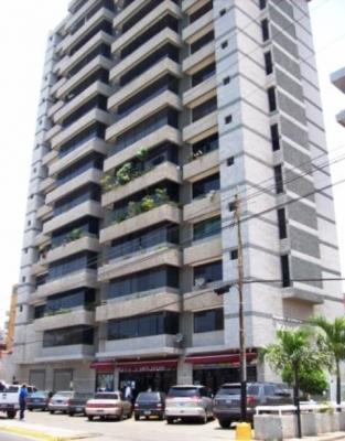 Vendo/Alquilo PH Duplex Res. Ikabarú. Lecheria. 280m2. 5 Habitaciones
