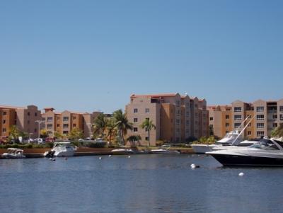 Alquilo Estacionamiento-Muelle C.R Marina del Rey. Lecheria. 4mts.