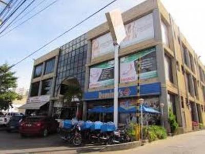 Vendo Locales Oficinas C.C ANNA. Lecheria. 100m2 y 50m2.