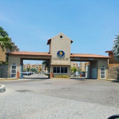 """Alquilo Apartamento Amoblado en el Conjunto Residencial Marina del Rey - Complejo Turístico el Morro """"Cliente Jurìdico - Dama o Caballero Solo"""""""