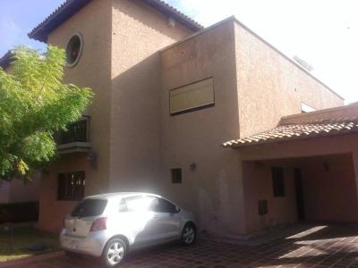 Town house Morro yath & club