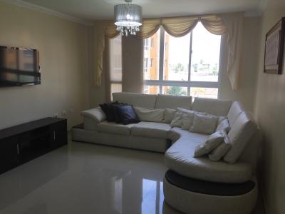 EN VENTA bello apartamento en Residencias Marina del Rey