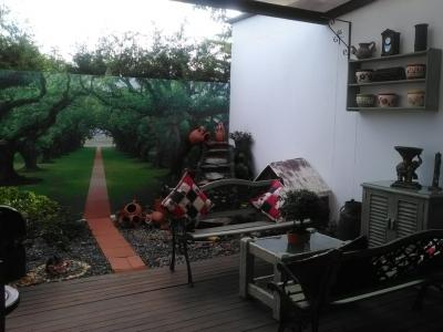 Casa semicampestre con chimenea