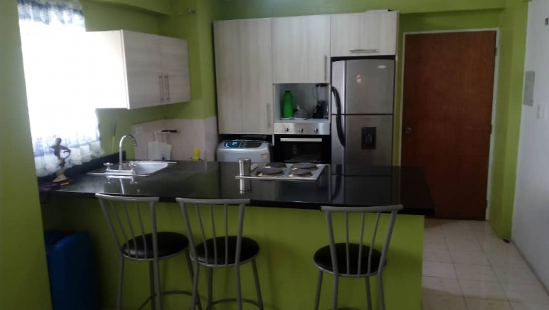Apartamento en Paraparal  Equipado, Marlyn Jiménez  0414 14570002
