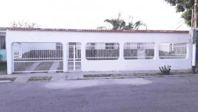 Casa de 12m2 en la Urbanizacion Los Cerritos, Los Guayos