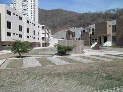 Espacioso Apartovilla Ubicada en el Sector el Rincón - Naguanagua