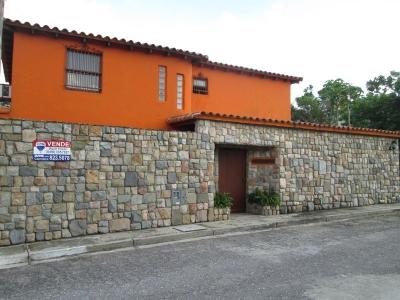 En Venta Acogedora Casa-Quinta en la urbanización Altamira, La Entrada